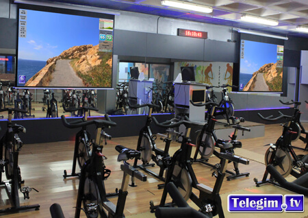 Virtual Cycling dos proyectores espectacular TelegimTV